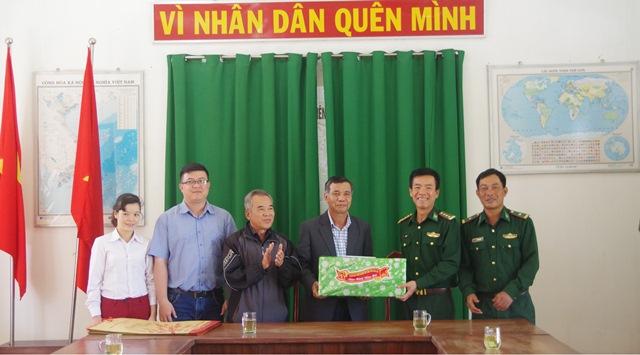 Mặt trận Tổ quốc Việt Nam tỉnh Đắk Lắk thăm và chúc Tết Đồn Biên phòng