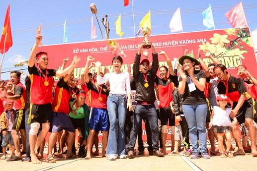 Giải Đua thuyền truyền thống tỉnh Đắk Lắk lần thứ XI - năm 2018
