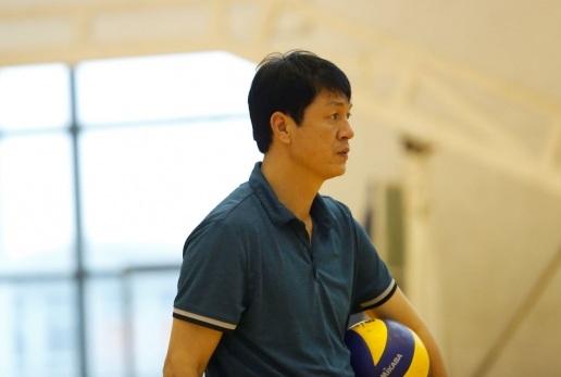 Huấn luyện viên Trần Đăng Thành về dẫn dắt Câu lạc bộ bóng chuyền nữ Đắk Lắk