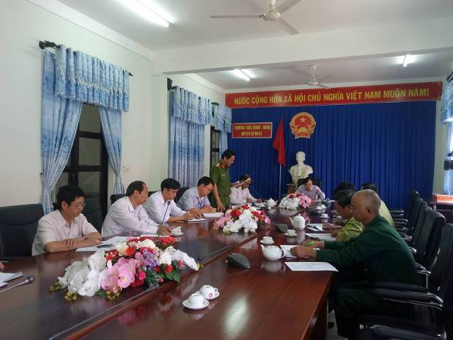 UBND huyện M'Đrắk: Tổ chức họp bàn các biện pháp xử lý một số vấn đề liên quan đến việc khai thác, vận chuyển gỗ trái phép thuộc lâm phần quản lý của Công ty TNHH MTV Lâm nghiệp M'Đrắk